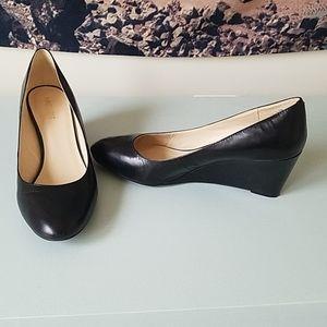 Nine West black wedge shoes